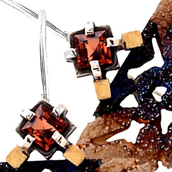 Pendientes grandes de oro y plata oxidada Escocia granate facetado vista granate